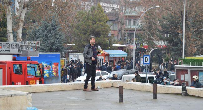 Emekli Polisten İntihar Eylemi..