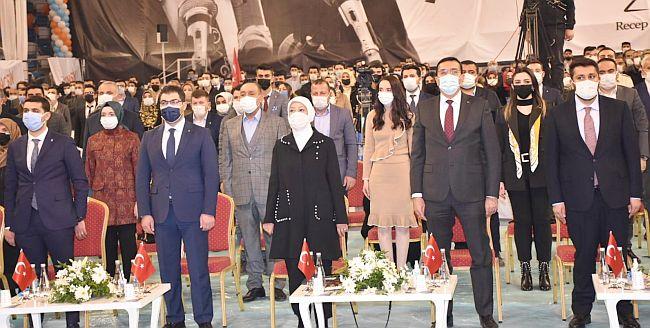 AKP Gençlik Kolları Kongresi.. Atanan Başkan Seçildi