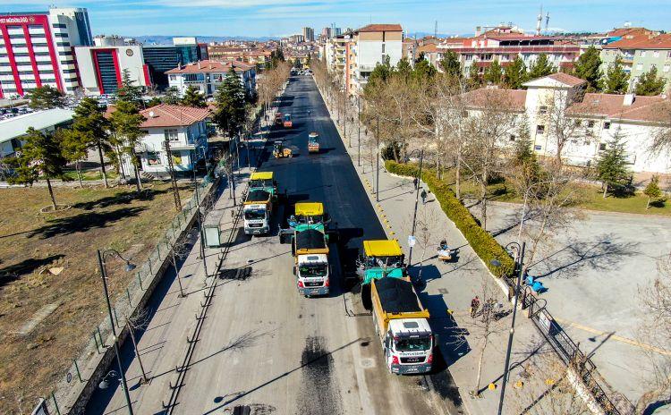 4 Şeride Çıkarılan Cadde Asfaltlandı