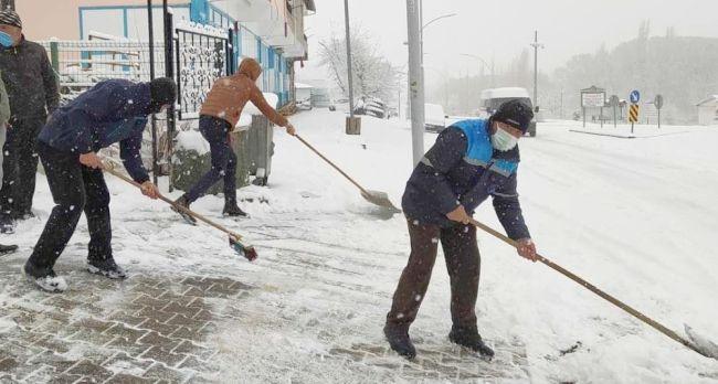 Kuluncak'ta Kar Temizliği