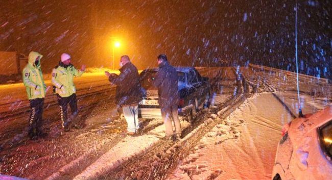 Malatya- Kayseri ve Sivas Karayolu Ulaşıma Kar Engeli