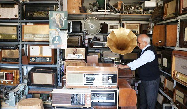 """""""Malatya'daki Müzeye 120 Radyo Verdim"""""""