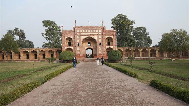Pakistan'daki 400 Yıllık Cihangir Şah Türbesi