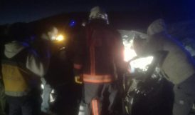 Kamyona Çarpan Otomobildeki Baba-Oğul Yaralandı