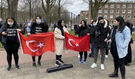 Hollanda'da Öldürülen Türk Kızıyla İlgili Polisi Protesto