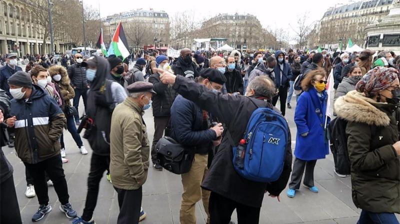 Paris'te Ayrılıkçı Yasa ve İslamofobi Protestosu