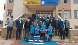 TVF'den Arapgir'deki Okullara Voleybol Seti