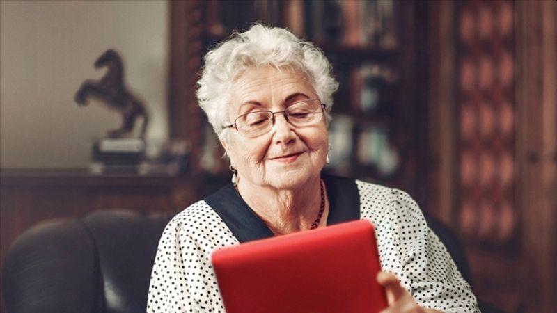 Yaşlılar İnternete Sarıldı