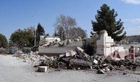 Sultansuyu'nda 'Deprem Hasarı'nı Gösteremediler, Tarihi Bina Yerine Bu Enkazı Fotoğraflattılar!