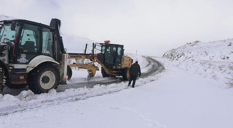 Kırsal Mahalle Yollarında Kar Mücadelesi