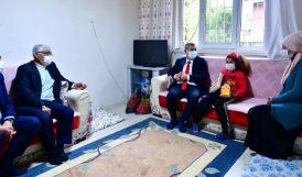 Yeşilyurt Belediye Başkanından Ev Ziyareti