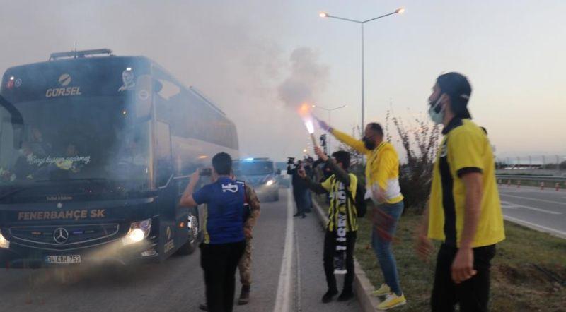 Fenerbahçe'yi Taraftarları Karşıladı