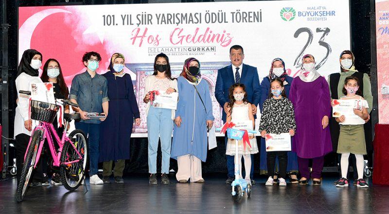 23 Nisan Şiir Yarışması Ödülleri Dağıtıldı