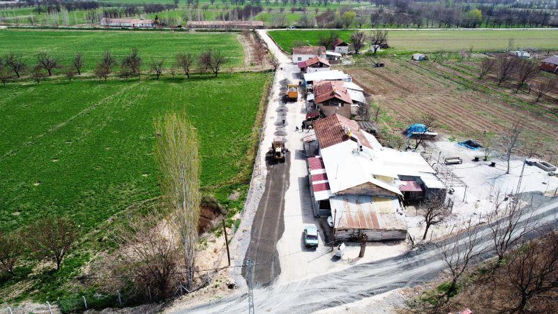 Hasırcılar'daki Yollara Asfalt Kaplama Yapılıyor