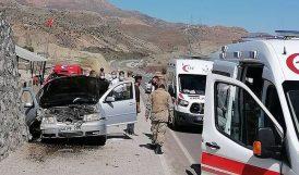 Otomobil İstinat Duvarına Çarptı, 3 Yaralı..