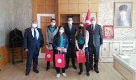 Yazıhan'daki 23 Öğrenciye Tablet Verildi