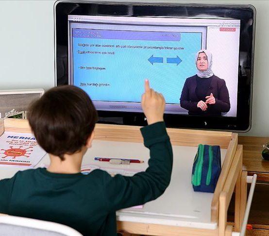 MEB'den Uzaktan Eğitimle İlgili Yeni Karar