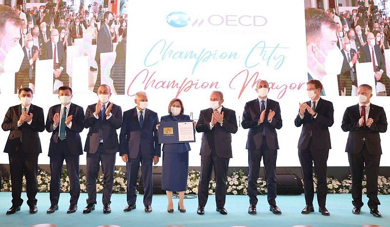 İşte Bu Ödül Gerçek.. 'OECD Şampiyon Belediye Başkanı'