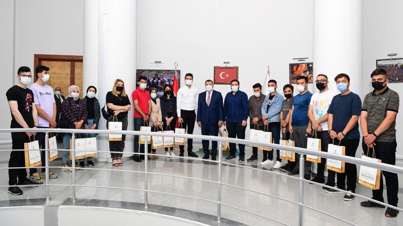 AKP'li Gençlerden Gürkan'a Ziyaret