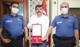 Saldırganı Yakalayan Polis Memurları Ödüllendirildi