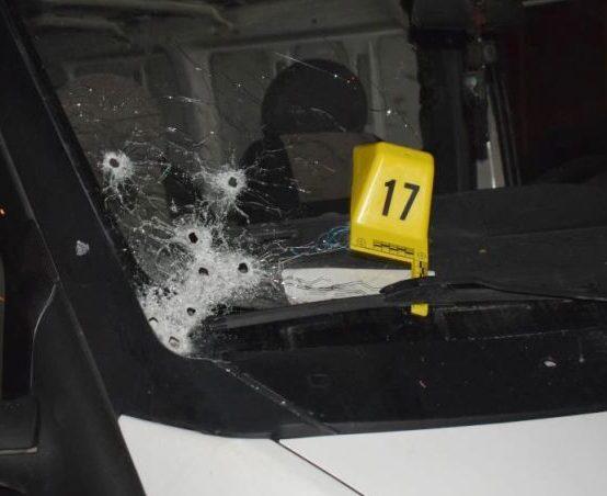 Bir Kişi Yaralandı, 8 Araç Kurşunlandı
