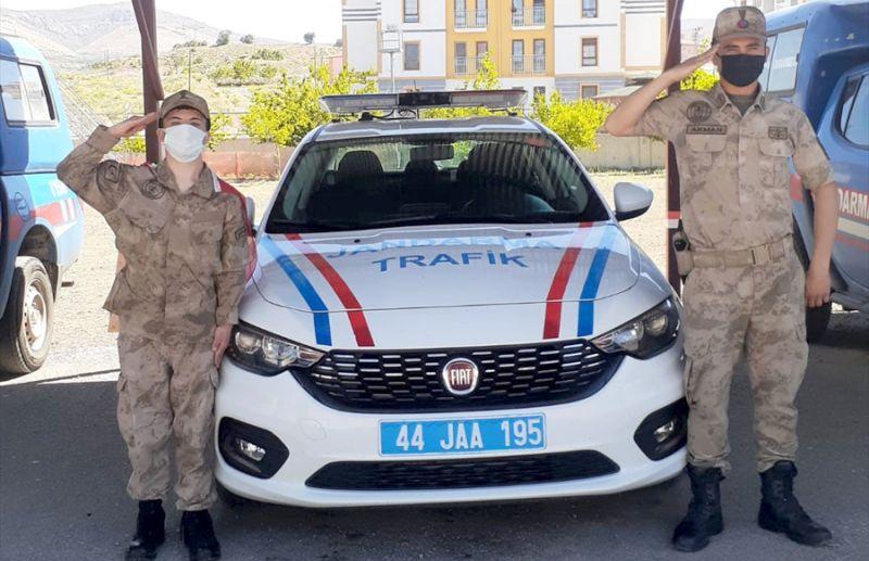 Hekimhan Jandarması Otizmli Genci Ağırladı