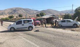 İki Araç Çarpıştı, 2 Kişi Yaralandı