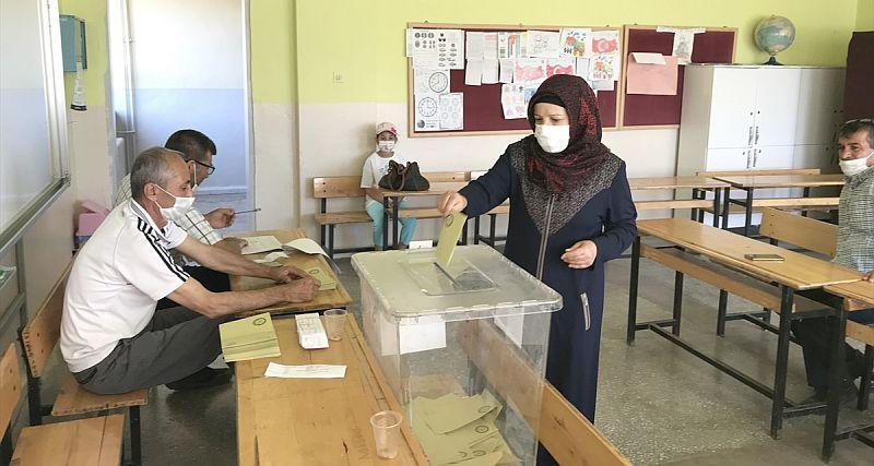 12 Köyde Seçim Yapıldı