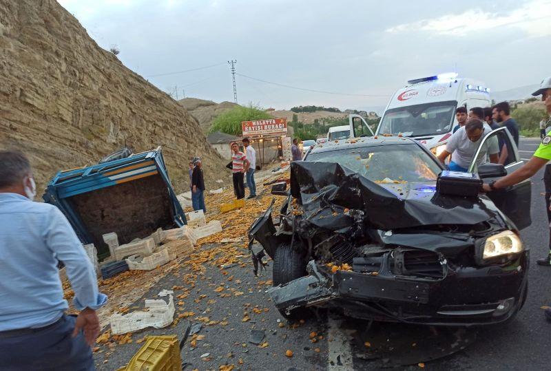Otomobil ile Çapa Motoru Çarpıştı: 2 Yaralı