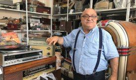 Antika Radyo ve Pikaplar Elinde Hayat Buluyor