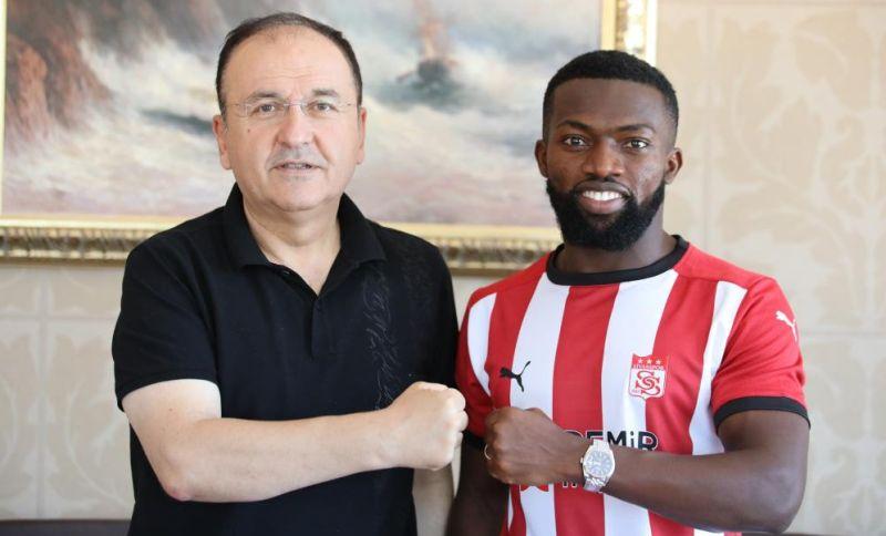 Azubuike, Sivasspor'a Transfer Oldu