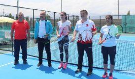 Iğdır'da 'Kayısı Cup' Tenis Turnuvası