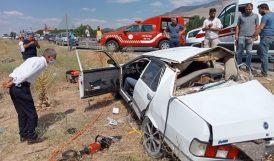 İki Otomobil Çarpıştı.. 2 Ölü, 4 Yaralı