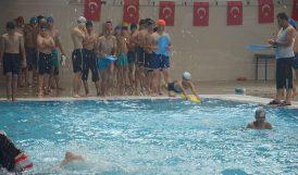 Çocuk ve Gençlere Ücretsiz Yüzme Eğitimi