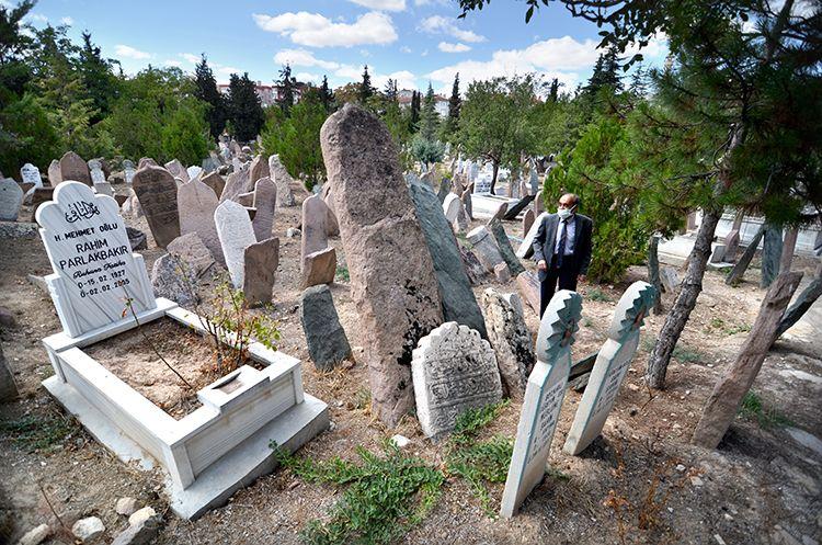 Türk Mezar Taşları ve Kentleşme Kültürü