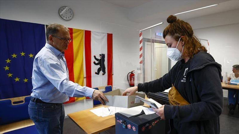 Almanya Seçimlerinden SPD Birinci Çıktı