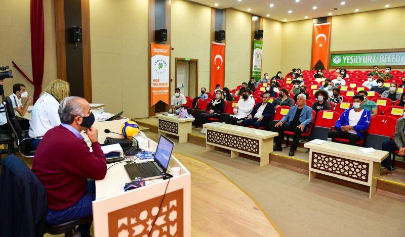 Voleybol Aday Hakem Semineri Malatya'da Yapıldı