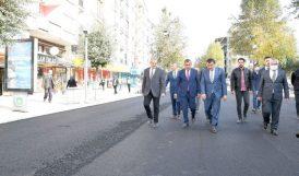 Sivas Caddesi'ndeki Çalışmalar Sürüyor