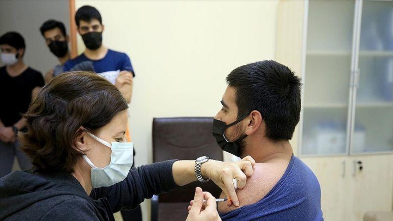 Bakandan Üniversitelilere Aşı Çağrısı