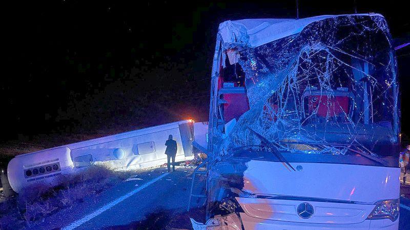 81 İlden Öğrenci Taşıyan Otobüslerin Kazası: 44 Yaralı