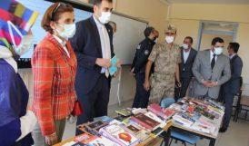 Liselilerin Kitap Talebi Karşılandı
