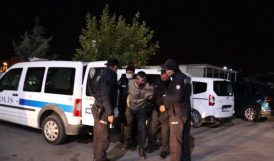 'Dur' İhtarına Uymadı, Kaçarken 3 Polisi Yaraladı