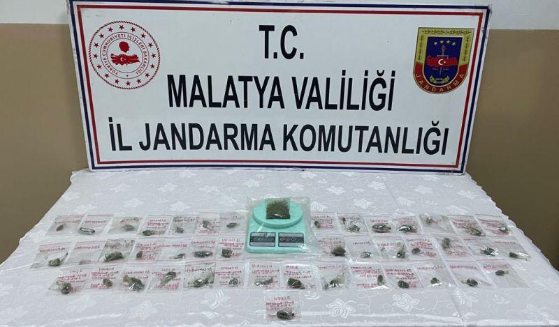 Köydeki 'Torbacı'ya Jandarma Baskını