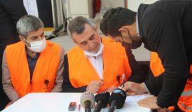 AKP, Meydanda Üye Kaydı Yapıyor